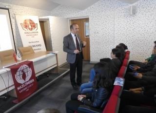okullarda-insan-haklari-semineri-ahmet-eren